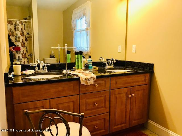 105 Wisteria Ln, Archbald, Pennsylvania 18403, 3 Bedrooms Bedrooms, 5 Rooms Rooms,3 BathroomsBathrooms,Residential - condo/townhome,For Sale,Wisteria,19-1391