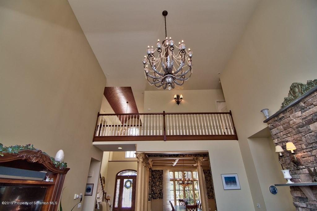 815 Parkview Rd, Moscow, Pennsylvania 18444, 5 Bedrooms Bedrooms, 13 Rooms Rooms,5 BathroomsBathrooms,Single Family,For Sale,Parkview,19-1797
