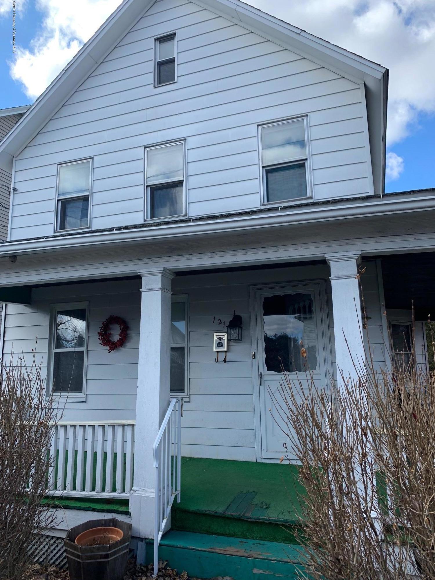 121 Harriet Street, Throop, Pennsylvania 18512, 3 Bedrooms Bedrooms, 6 Rooms Rooms,1 BathroomBathrooms,Rental,For Lease,Harriet,19-1924