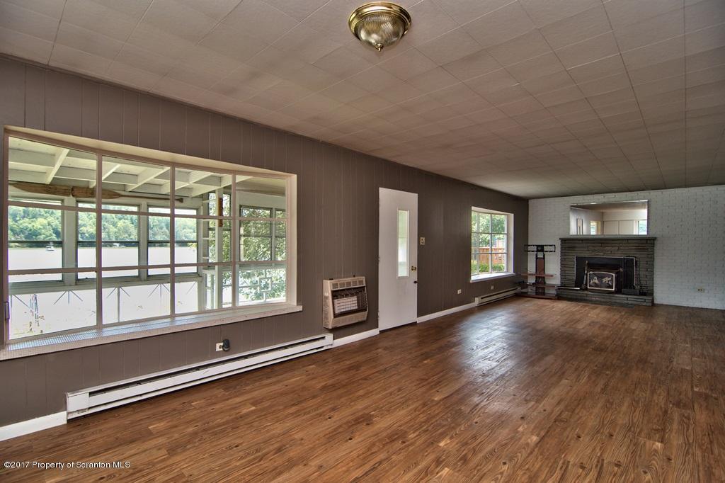 438 Lake Rd, Nicholson, Pennsylvania 18446, 3 Bedrooms Bedrooms, 7 Rooms Rooms,2 BathroomsBathrooms,Rental,For Lease,Lake,19-1993