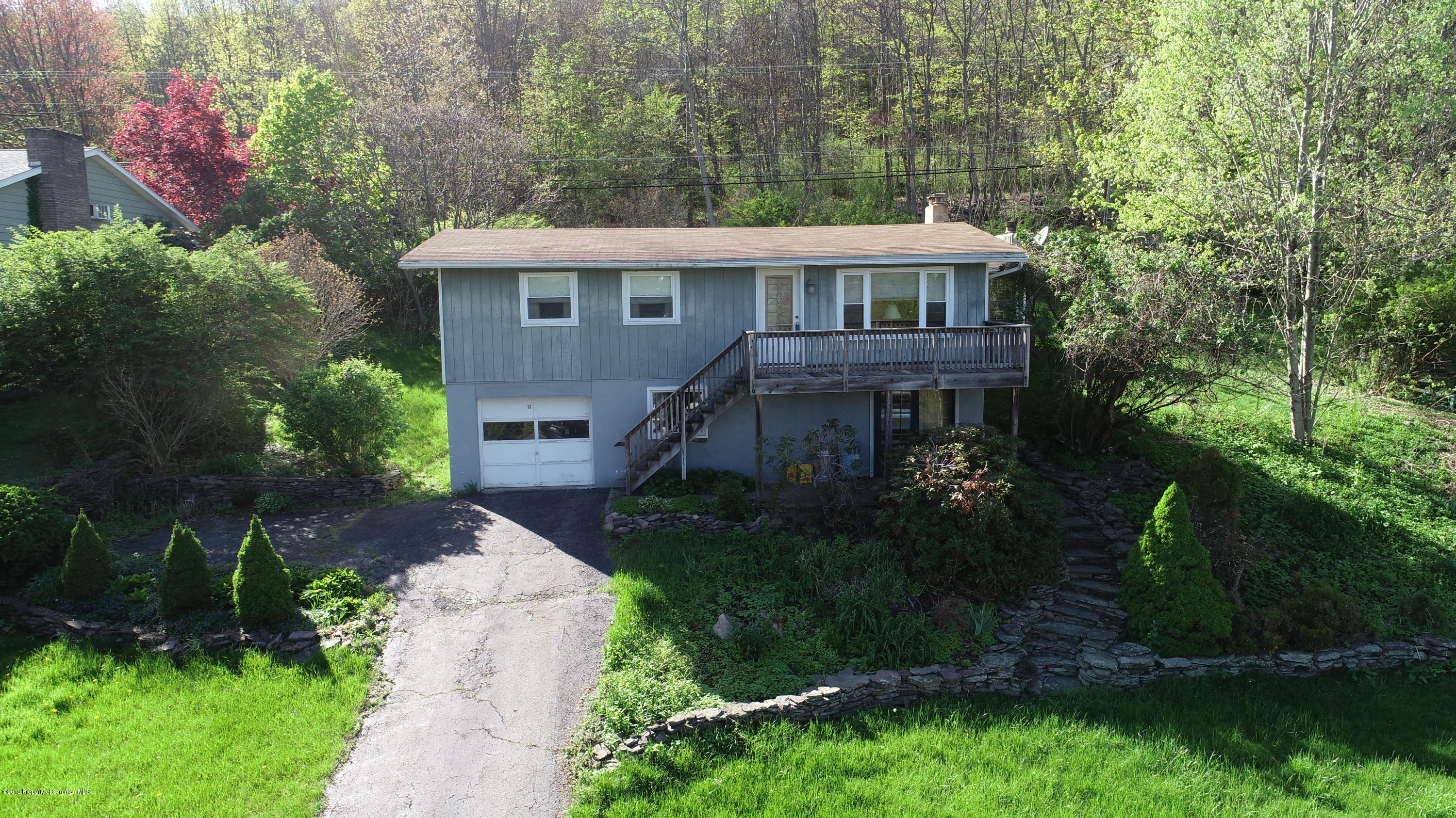 13 Lakeview Dr, Tunkhannock, Pennsylvania 18657, 2 Bedrooms Bedrooms, 5 Rooms Rooms,1 BathroomBathrooms,Single Family,For Sale,Lakeview,18-5771