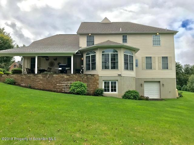 704 Parkview Rd, Moscow, Pennsylvania 18444, 4 Bedrooms Bedrooms, 9 Rooms Rooms,3 BathroomsBathrooms,Single Family,For Sale,Parkview,19-2074