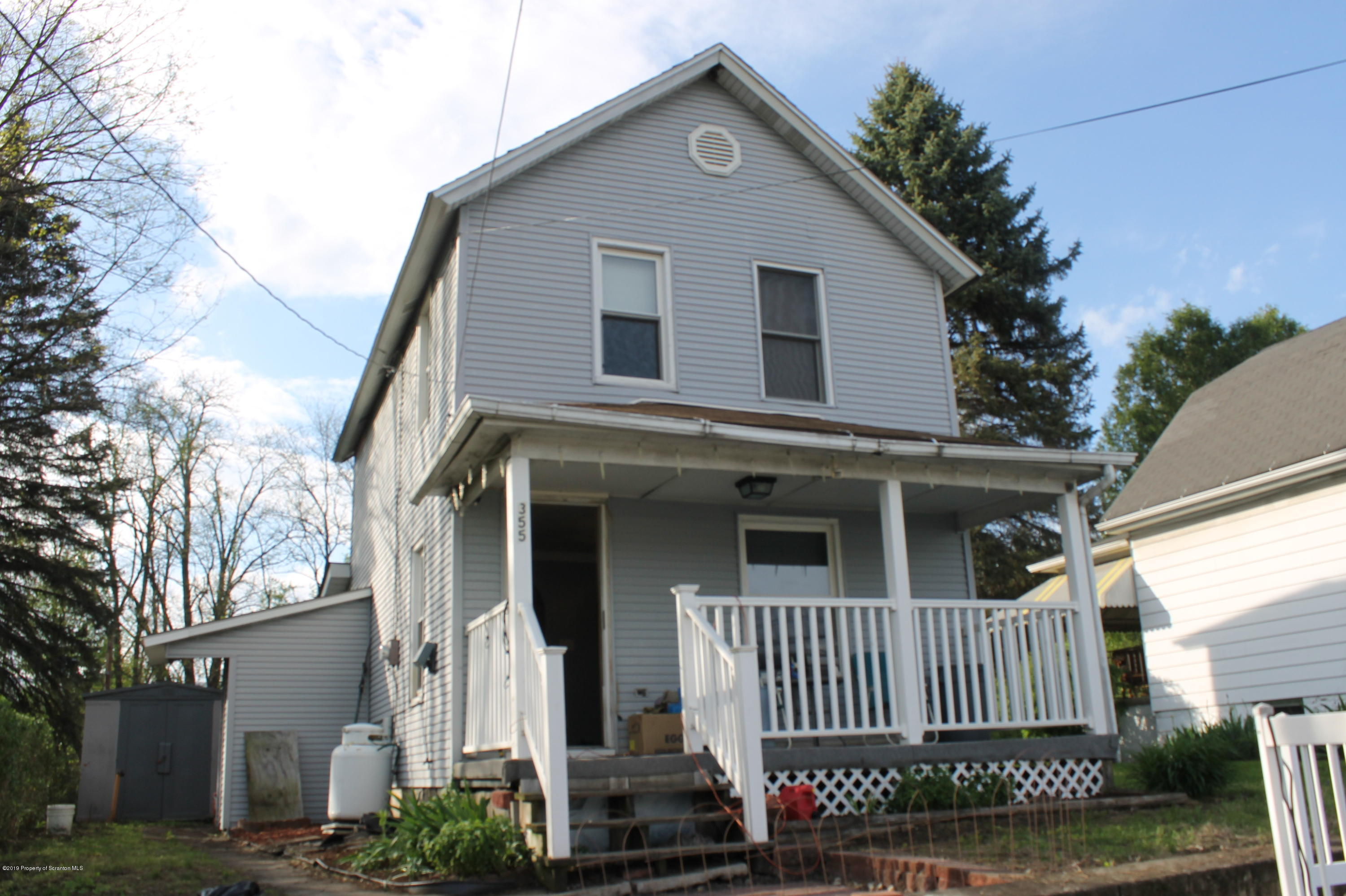 355 Main St, Taylor, Pennsylvania 18517, 2 Bedrooms Bedrooms, 6 Rooms Rooms,1 BathroomBathrooms,Single Family,For Sale,Main,19-2120