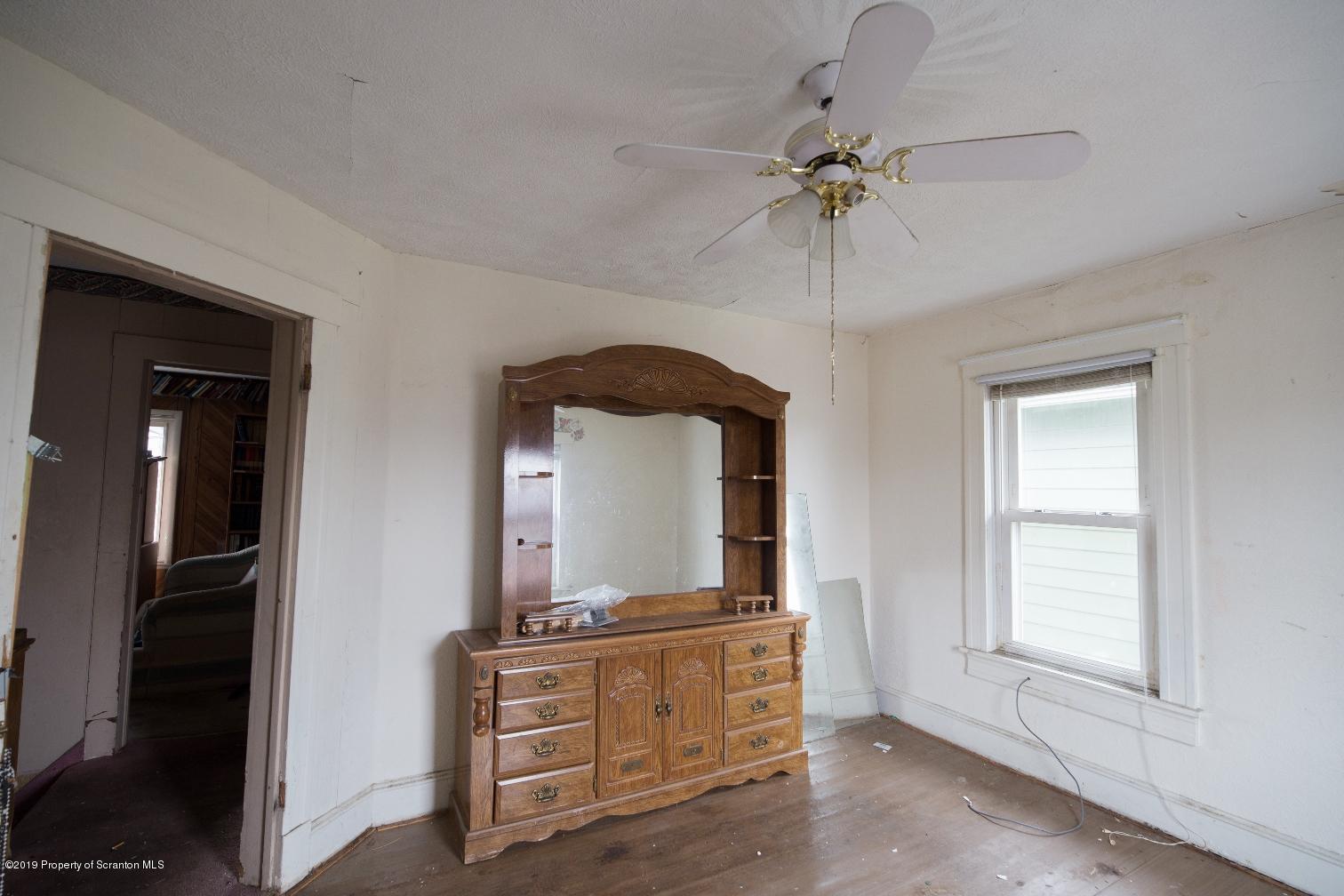 935 Madison Ave, Scranton, Pennsylvania 18510, 3 Bedrooms Bedrooms, 6 Rooms Rooms,1 BathroomBathrooms,Single Family,For Sale,Madison,19-2178