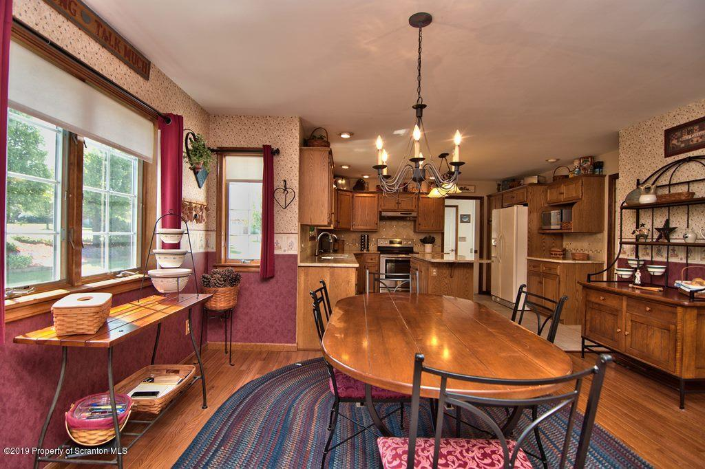 302 Autumn Dr, Moscow, Pennsylvania 18444, 4 Bedrooms Bedrooms, 8 Rooms Rooms,4 BathroomsBathrooms,Single Family,For Sale,Autumn,19-2239