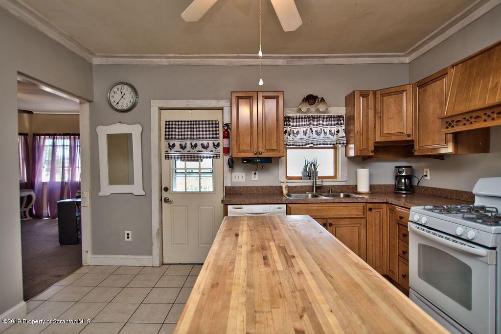 107 Steinecke St, Throop, Pennsylvania 18512, 3 Bedrooms Bedrooms, 7 Rooms Rooms,2 BathroomsBathrooms,Single Family,For Sale,Steinecke,19-2440