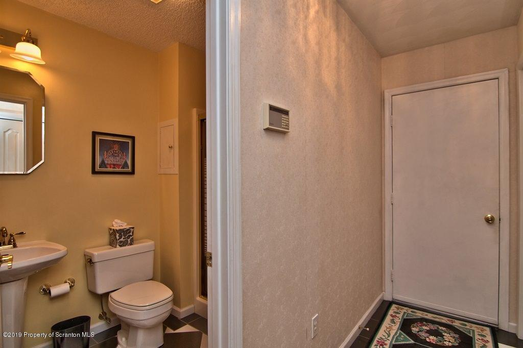 1800 Cherry St, Scranton, Pennsylvania 18505, 4 Bedrooms Bedrooms, 9 Rooms Rooms,3 BathroomsBathrooms,Single Family,For Sale,Cherry,19-2749