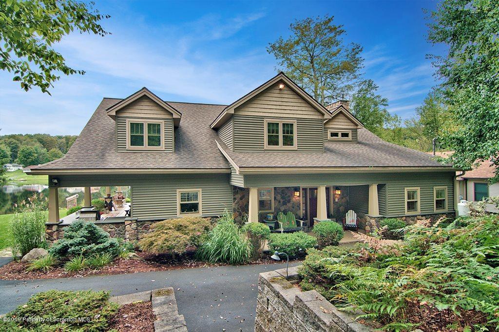 261 East Shore Drive, Susquehanna, Pennsylvania 18847, 5 Bedrooms Bedrooms, 11 Rooms Rooms,5 BathroomsBathrooms,Single Family,For Sale,East Shore Drive,19-2772