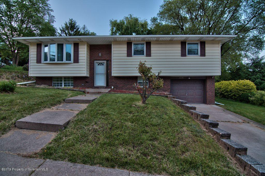 1214 Lloyd St, Scranton, Pennsylvania 18501, 4 Bedrooms Bedrooms, 8 Rooms Rooms,3 BathroomsBathrooms,Single Family,For Sale,Lloyd,19-2821