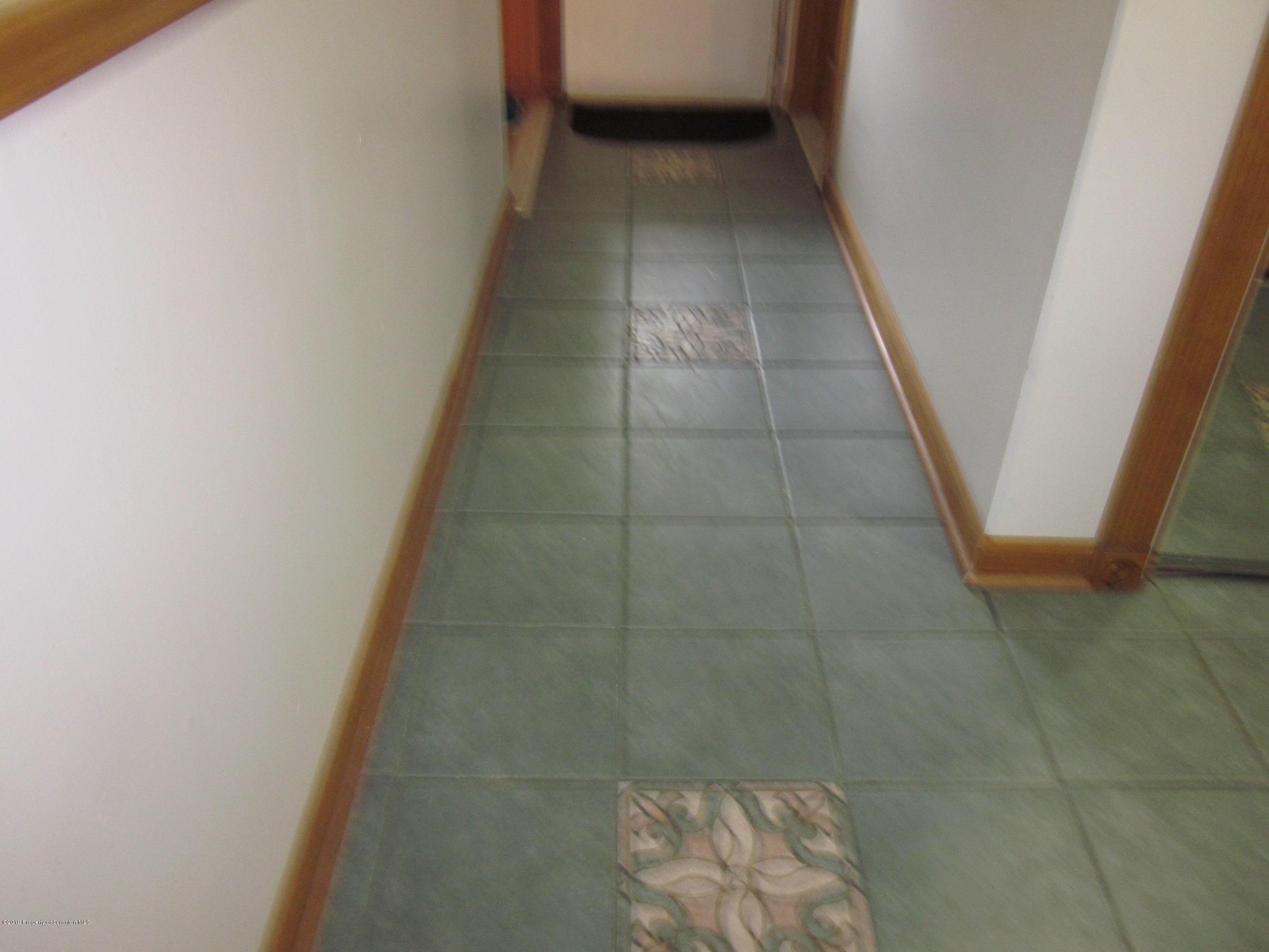 101 Abington Gardens, South Abington Twp, Pennsylvania 18411, 3 Bedrooms Bedrooms, 7 Rooms Rooms,3 BathroomsBathrooms,Residential - condo/townhome,For Sale,Abington Gardens,19-2941