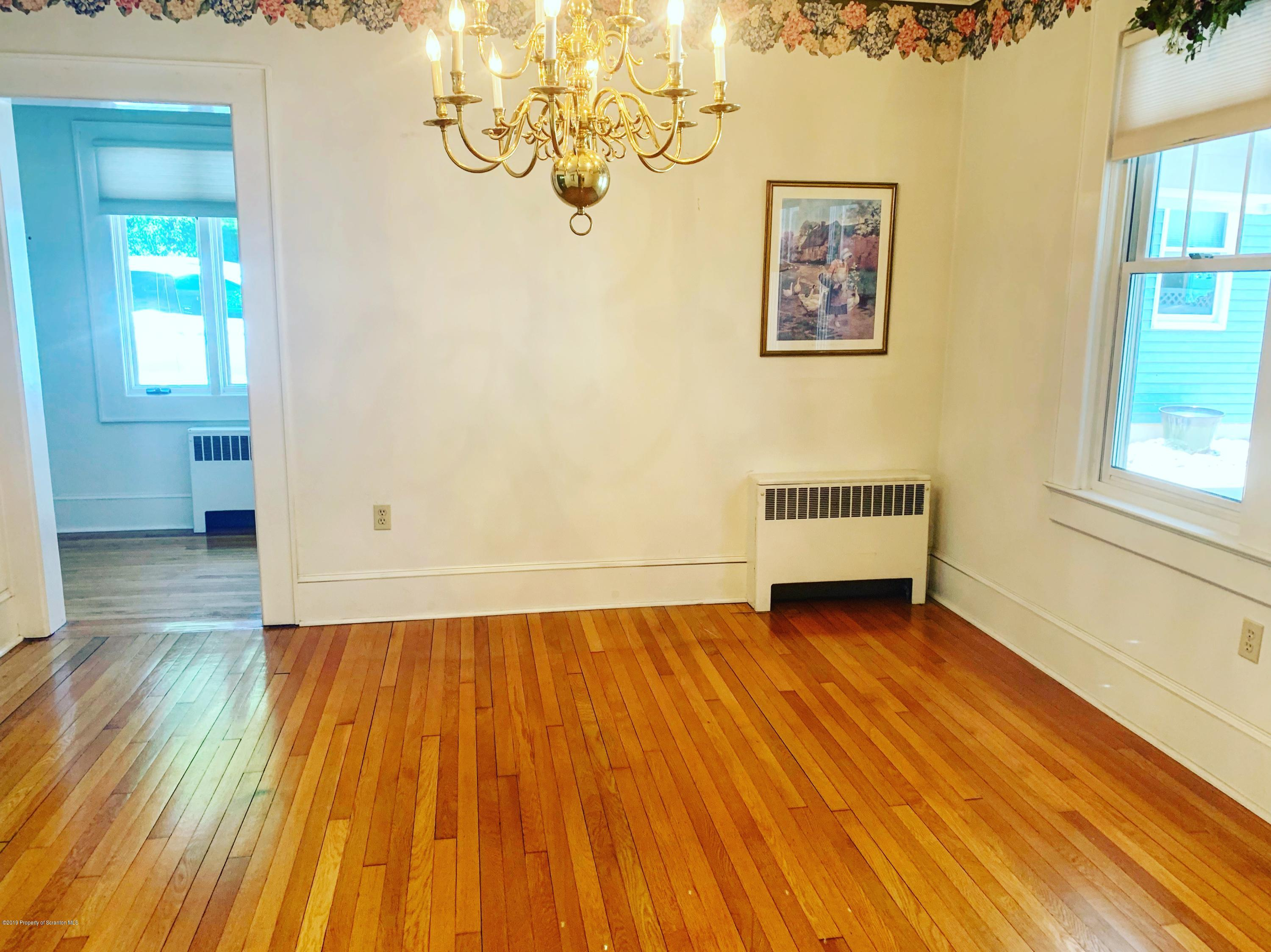 110 Nelson St, Clarks Green, Pennsylvania 18411, 3 Bedrooms Bedrooms, 9 Rooms Rooms,3 BathroomsBathrooms,Single Family,For Sale,Nelson,18-4339