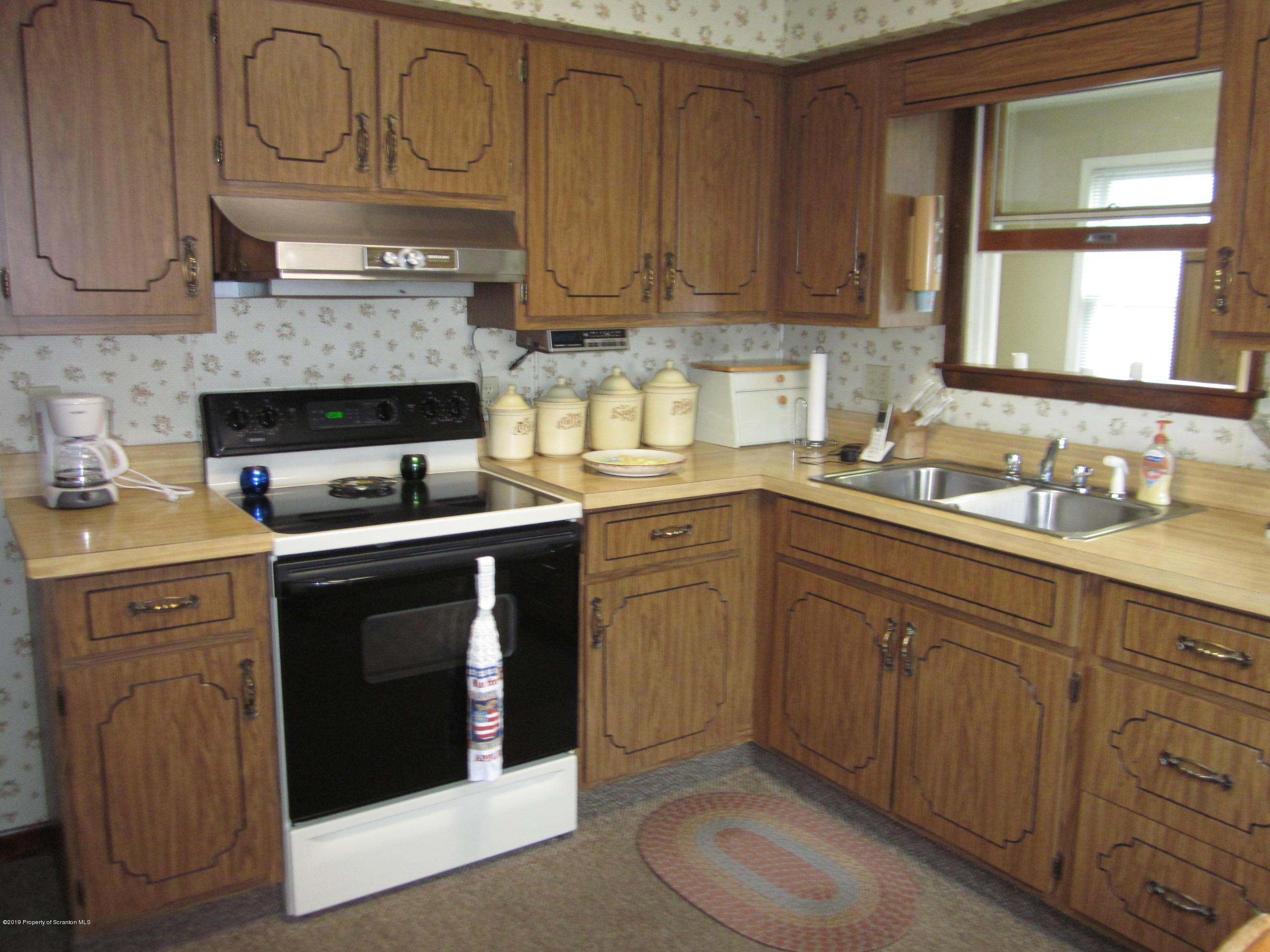 324 Caroline Ave, Scranton, Pennsylvania 18504, 3 Bedrooms Bedrooms, 7 Rooms Rooms,1 BathroomBathrooms,Single Family,For Sale,Caroline,19-2966