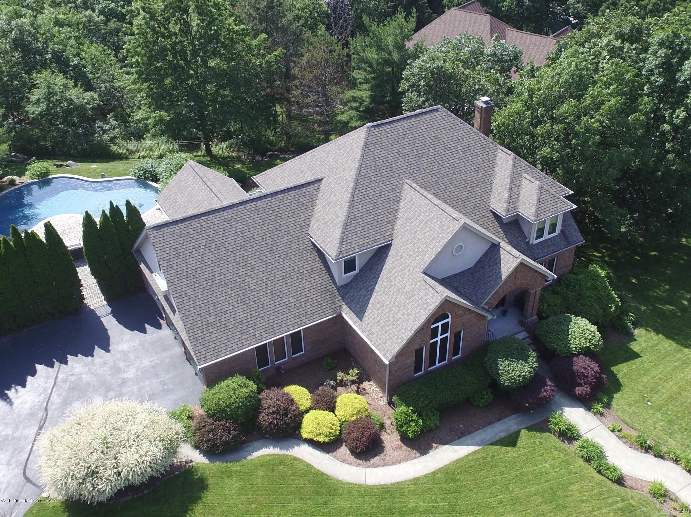 206 Salinger Close, Moosic, Pennsylvania 18507, 4 Bedrooms Bedrooms, 12 Rooms Rooms,5 BathroomsBathrooms,Single Family,For Sale,Salinger Close,19-2899