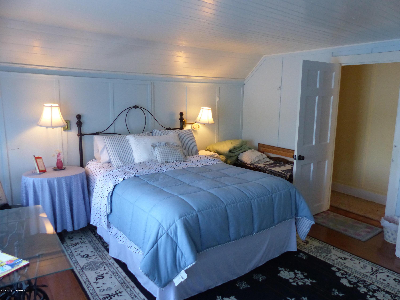 10 Lake St, Tunkhannock, Pennsylvania 18657, 4 Bedrooms Bedrooms, 9 Rooms Rooms,3 BathroomsBathrooms,Single Family,For Sale,Lake,19-3149