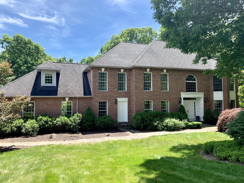 3 Emerson Dr, Moosic, Pennsylvania 18507, 6 Bedrooms Bedrooms, 13 Rooms Rooms,4 BathroomsBathrooms,Rental,For Lease,Emerson,19-3152