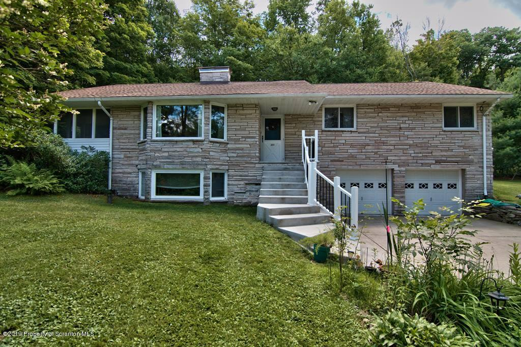 201 Wilcrest Rd, Roaring Brook Twp, Pennsylvania 18444, 4 Bedrooms Bedrooms, 8 Rooms Rooms,4 BathroomsBathrooms,Single Family,For Sale,Wilcrest,19-3318