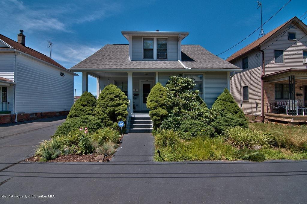 325 Oak St, Peckville, Pennsylvania 18452, 3 Bedrooms Bedrooms, 7 Rooms Rooms,2 BathroomsBathrooms,Single Family,For Sale,Oak,19-3382