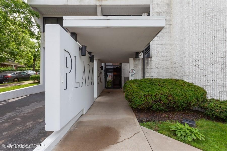 550 Clay Ave, Scranton, Pennsylvania 18510, 2 Bedrooms Bedrooms, 5 Rooms Rooms,2 BathroomsBathrooms,Residential - condo/townhome,For Sale,Clay,19-3377