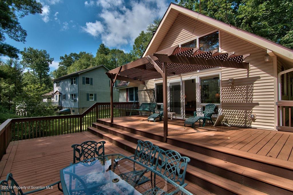 32 Lake Shore Dr, Tunkhannock, Pennsylvania 18657, 3 Bedrooms Bedrooms, 5 Rooms Rooms,1 BathroomBathrooms,Single Family,For Sale,Lake Shore,19-3429