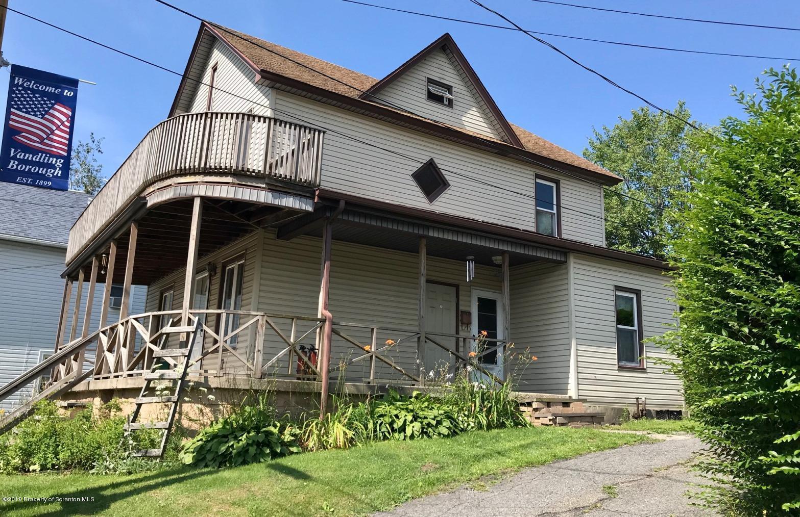 629 Clinton St, Forest City, Pennsylvania 18421, 3 Bedrooms Bedrooms, 6 Rooms Rooms,2 BathroomsBathrooms,Single Family,For Sale,Clinton,19-3778