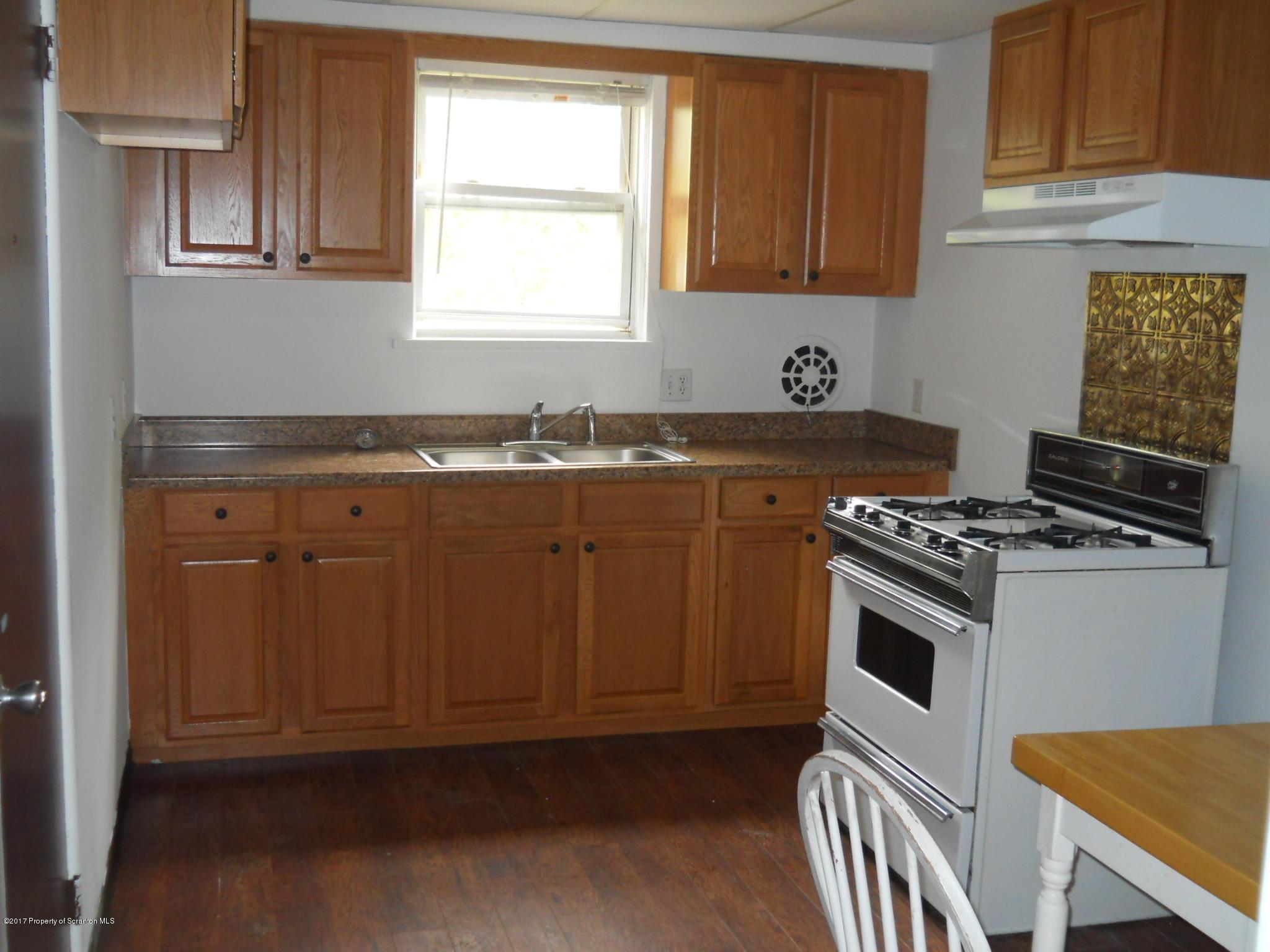 240 Grove Apt 4 St, Clarks Green, Pennsylvania 18411, 2 Bedrooms Bedrooms, 4 Rooms Rooms,1 BathroomBathrooms,Rental,For Lease,Grove Apt 4,19-3859