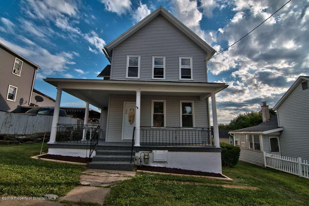 152 Pine St, Dunmore, Pennsylvania 18512, 3 Bedrooms Bedrooms, 6 Rooms Rooms,2 BathroomsBathrooms,Single Family,For Sale,Pine,19-3906