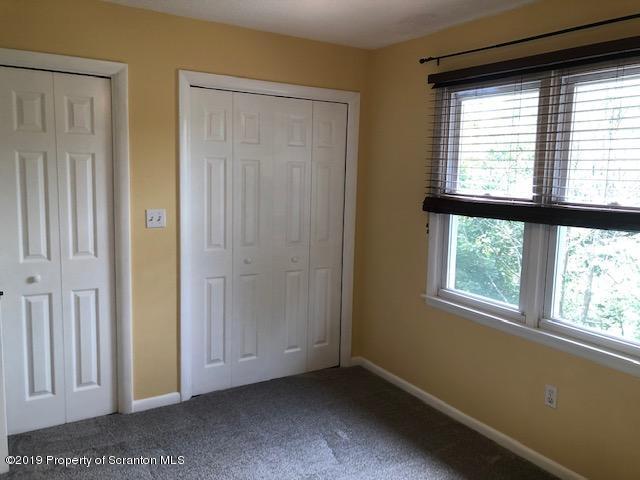 71 Abington Gardens Dr, Clarks Summit, Pennsylvania 18411, 3 Bedrooms Bedrooms, 6 Rooms Rooms,2 BathroomsBathrooms,Rental,For Lease,Abington Gardens,19-3917