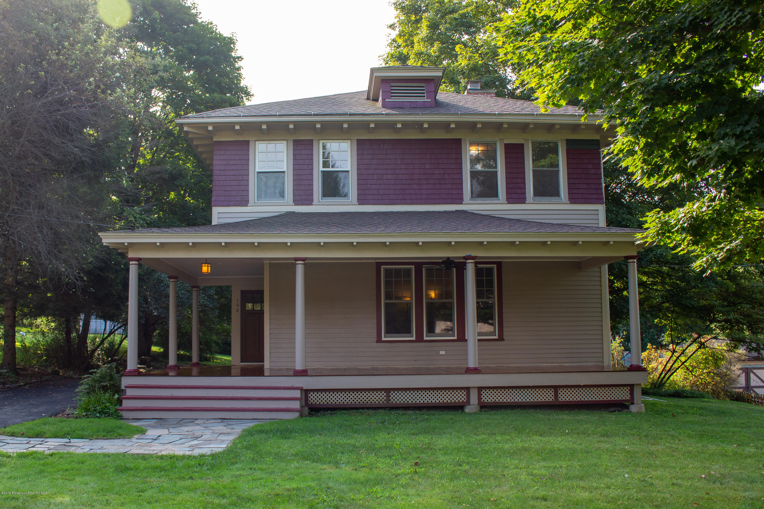 108 Lake St, Dalton, Pennsylvania 18414, 4 Bedrooms Bedrooms, 7 Rooms Rooms,2 BathroomsBathrooms,Single Family,For Sale,Lake,19-4094
