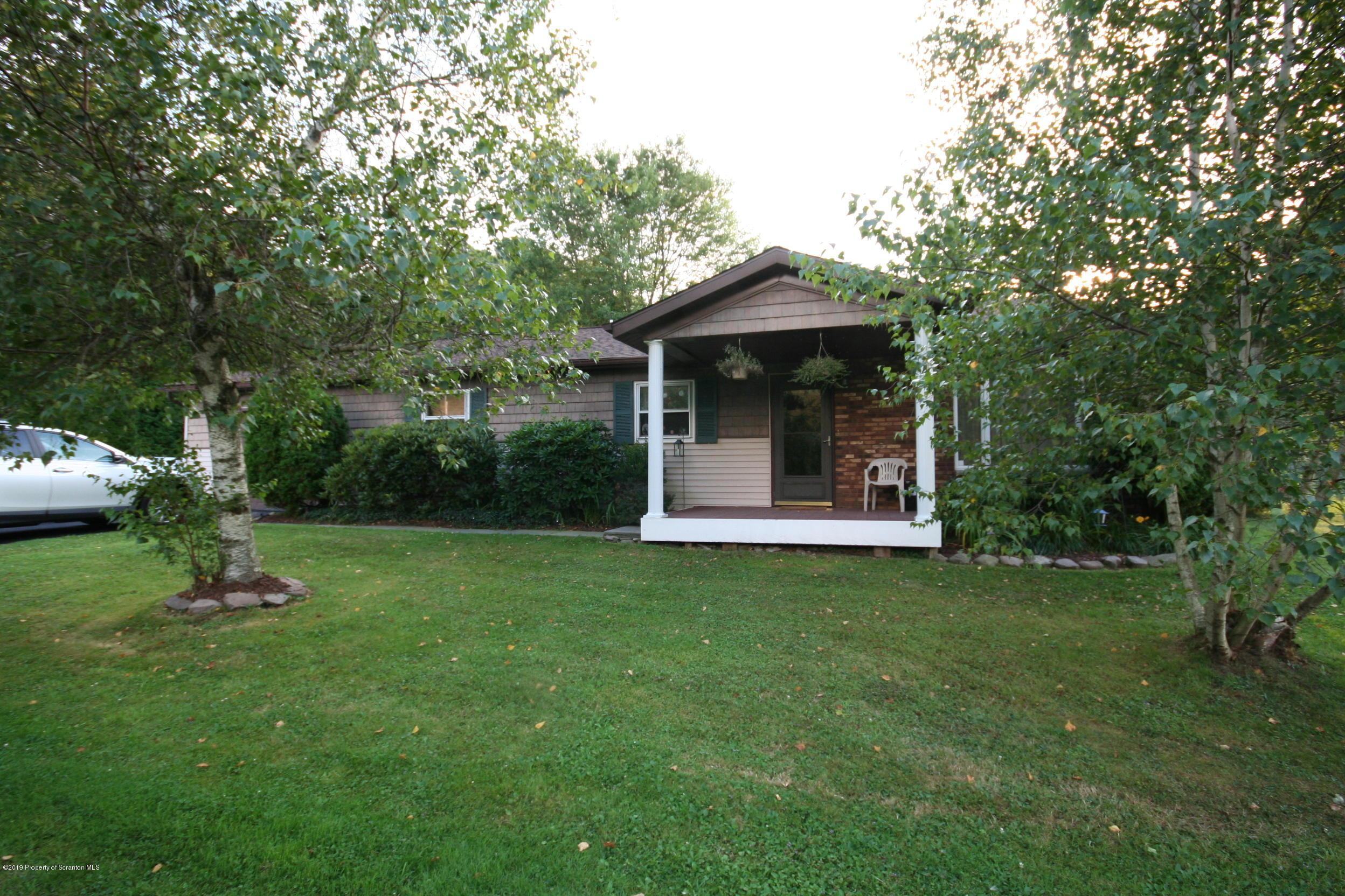 765 Lakeland Dr, Scott Twp, Pennsylvania 18447, 3 Bedrooms Bedrooms, 6 Rooms Rooms,2 BathroomsBathrooms,Single Family,For Sale,Lakeland,19-4278