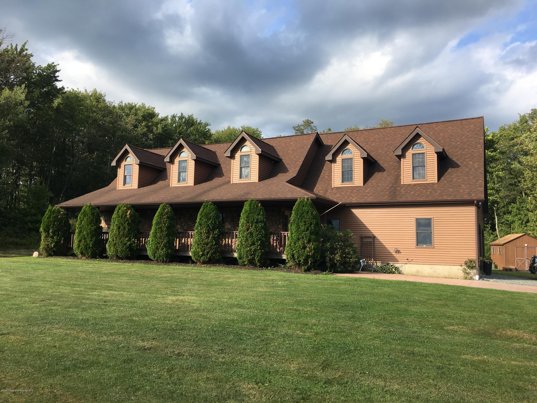 3237 Old Newburg Tpke, Union Dale, Pennsylvania 18470, 3 Bedrooms Bedrooms, 8 Rooms Rooms,2 BathroomsBathrooms,Single Family,For Sale,Old Newburg,19-4288