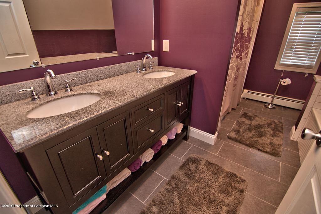212 Franklin St, Jermyn, Pennsylvania 18433, 3 Bedrooms Bedrooms, 5 Rooms Rooms,2 BathroomsBathrooms,Single Family,For Sale,Franklin,19-4279