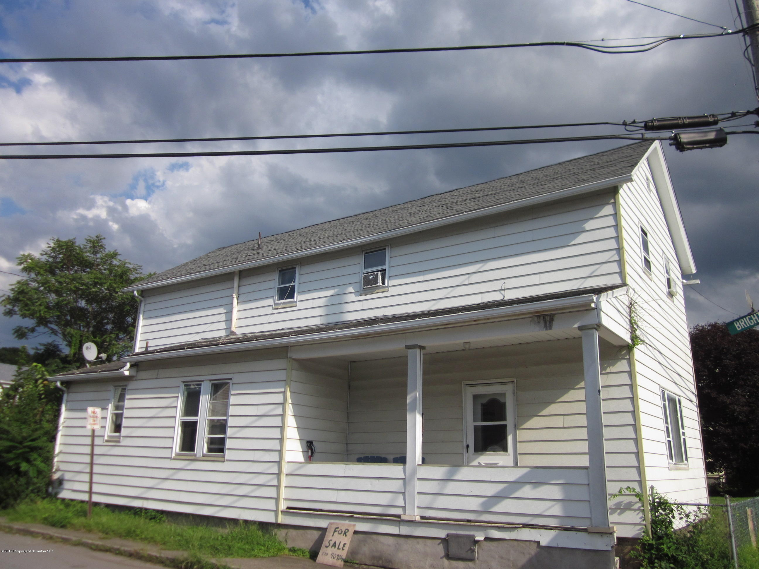 511 Grace St, Scranton, Pennsylvania 18505, 3 Bedrooms Bedrooms, 6 Rooms Rooms,1 BathroomBathrooms,Single Family,For Sale,Grace,19-4337