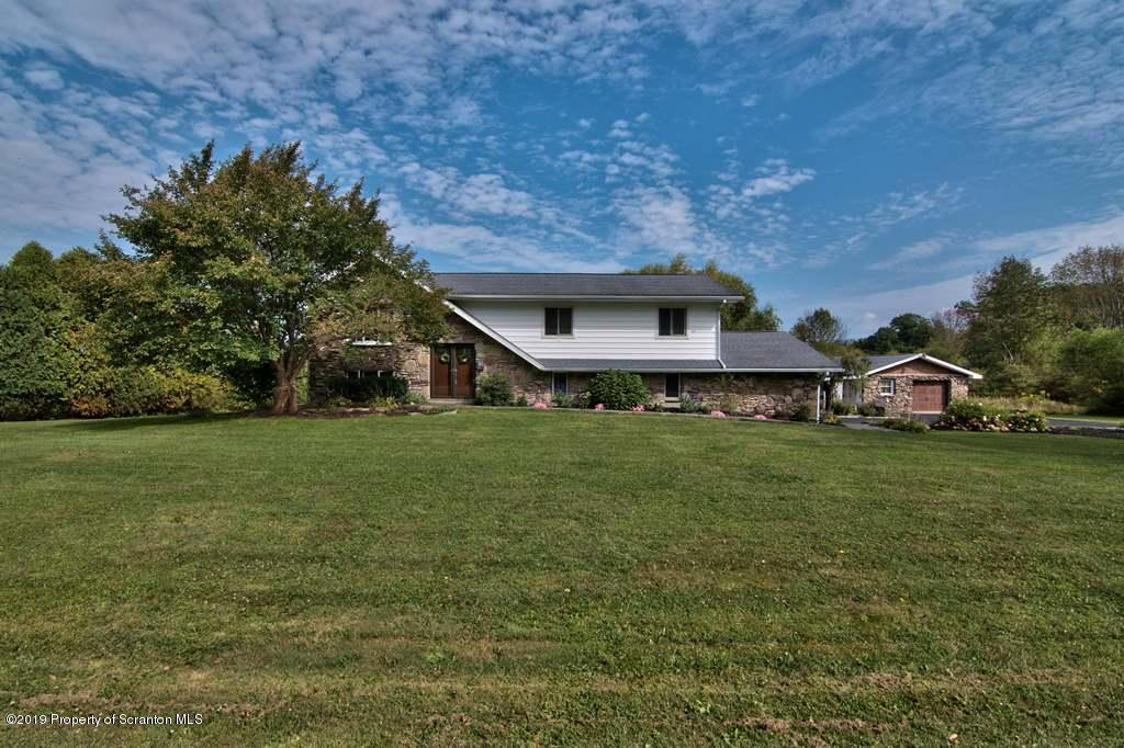 13003 Silver Fox Ln, Clarks Summit, Pennsylvania 18411, 4 Bedrooms Bedrooms, 10 Rooms Rooms,3 BathroomsBathrooms,Single Family,For Sale,Silver Fox,19-4370