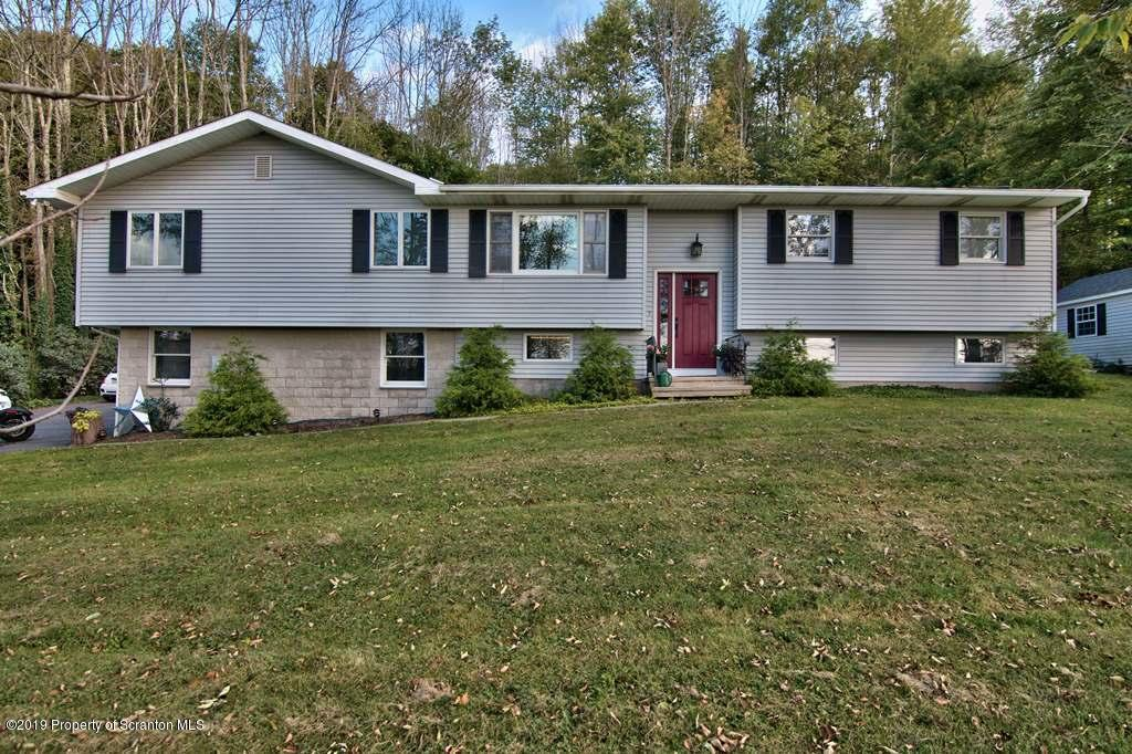 4 Raub Drive, Factoryville, Pennsylvania 18419, 5 Bedrooms Bedrooms, 9 Rooms Rooms,2 BathroomsBathrooms,Single Family,For Sale,Raub Drive,19-4314