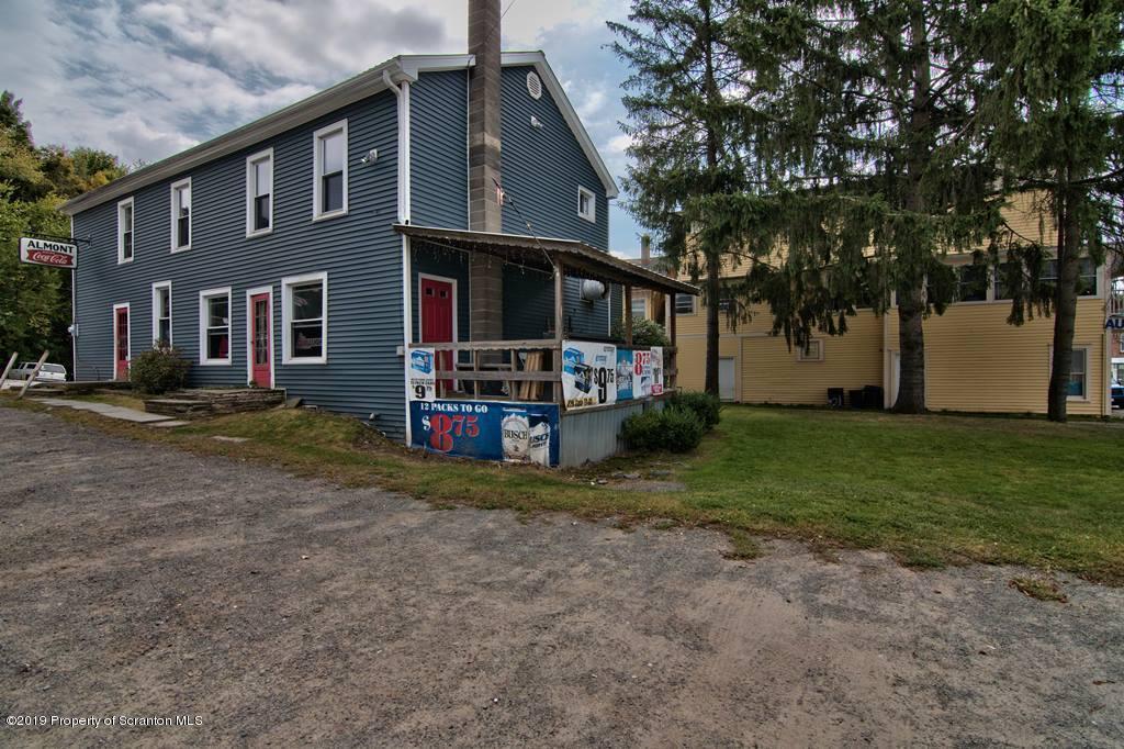 6 Walnut St, Nicholson, Pennsylvania 18446, ,3 BathroomsBathrooms,Commercial,For Sale,Walnut,19-4439