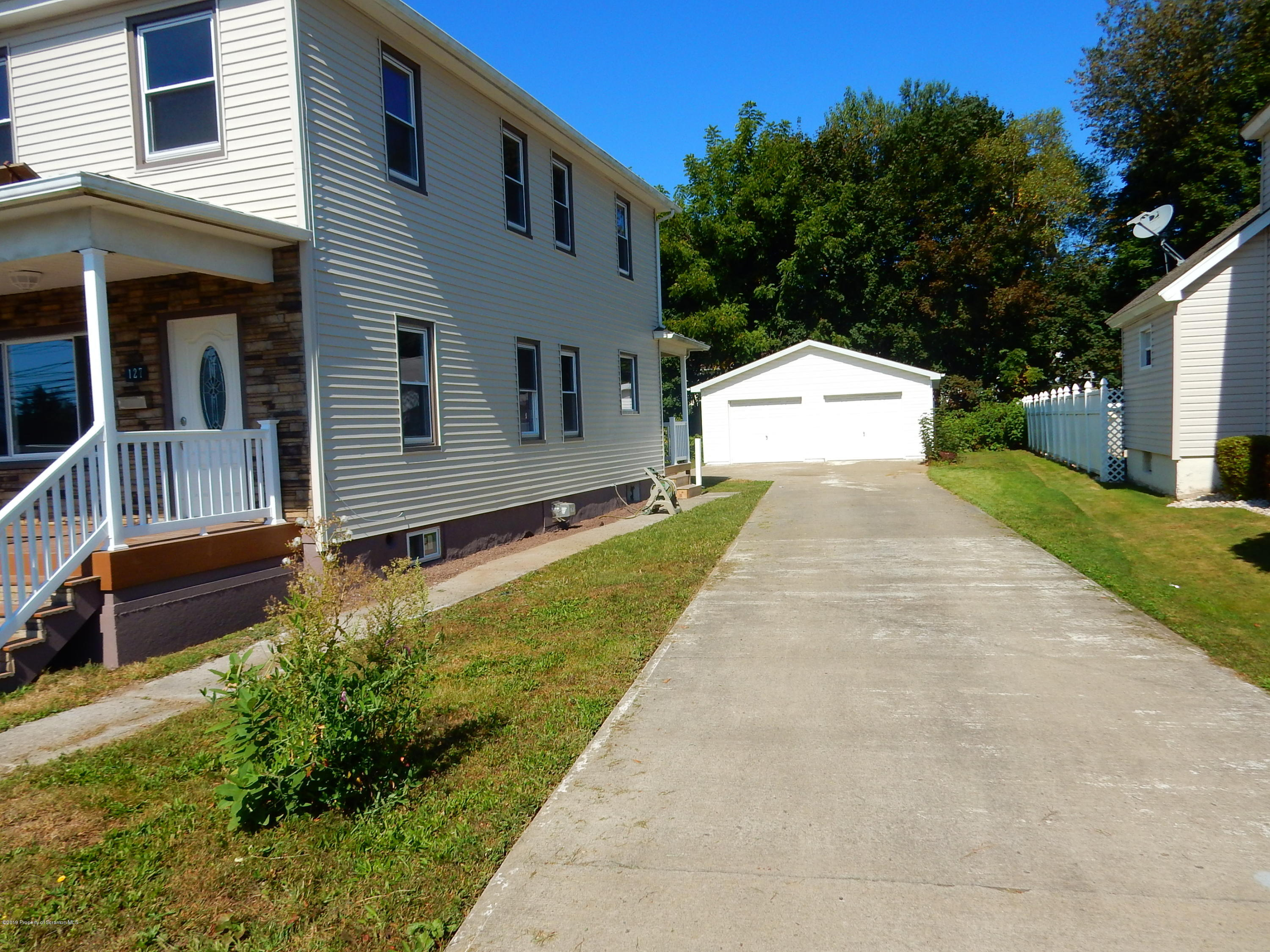 127 Electric St, Peckville, Pennsylvania 18452, 3 Bedrooms Bedrooms, 5 Rooms Rooms,2 BathroomsBathrooms,Single Family,For Sale,Electric,19-4542