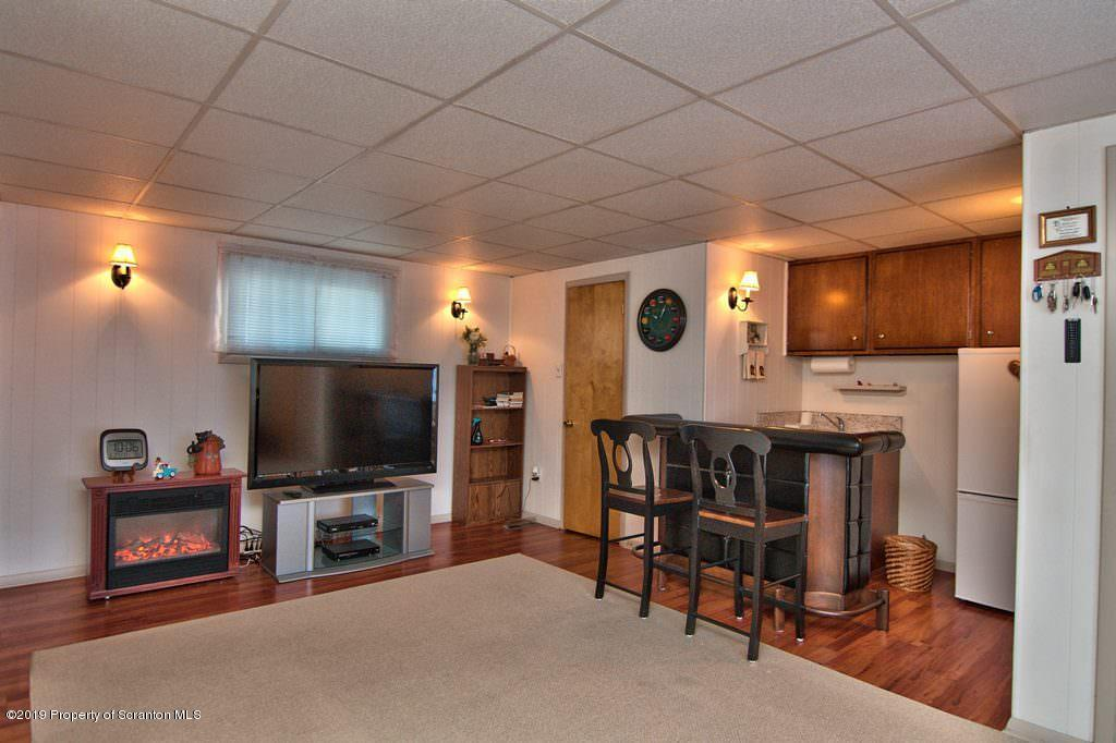 201 Irving Ave, Scranton, Pennsylvania 18505, 4 Bedrooms Bedrooms, 11 Rooms Rooms,3 BathroomsBathrooms,Single Family,For Sale,Irving,19-4856