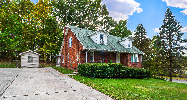 100 Chestnut St, Archbald, Pennsylvania 18403, 4 Bedrooms Bedrooms, 9 Rooms Rooms,3 BathroomsBathrooms,Single Family,For Sale,Chestnut,19-4910