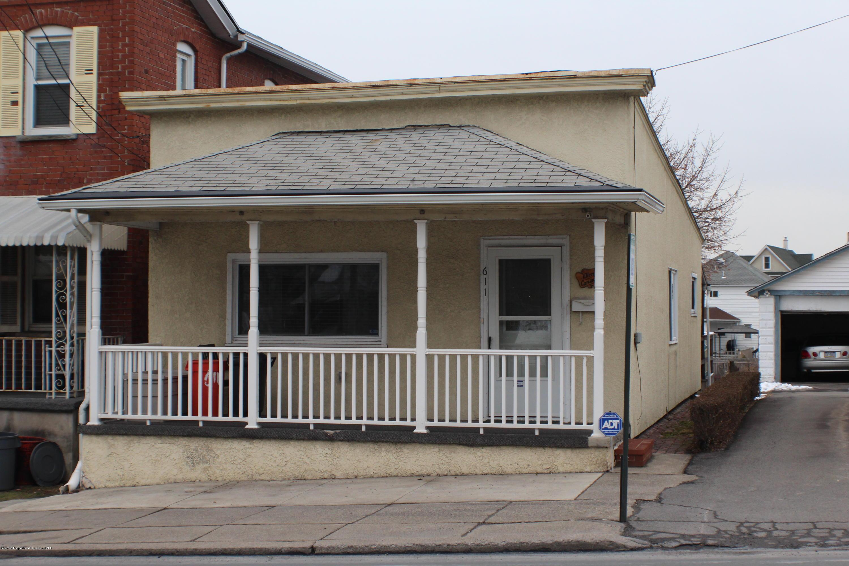 611 Drinker St, Dunmore, Pennsylvania 18512, 2 Bedrooms Bedrooms, 5 Rooms Rooms,1 BathroomBathrooms,Single Family,For Sale,Drinker,20-72