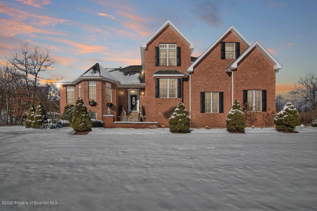 1640 Whitetail Run, Dunmore, Pennsylvania 18512, 4 Bedrooms Bedrooms, 10 Rooms Rooms,5 BathroomsBathrooms,Single Family,For Sale,Whitetail Run,19-5828