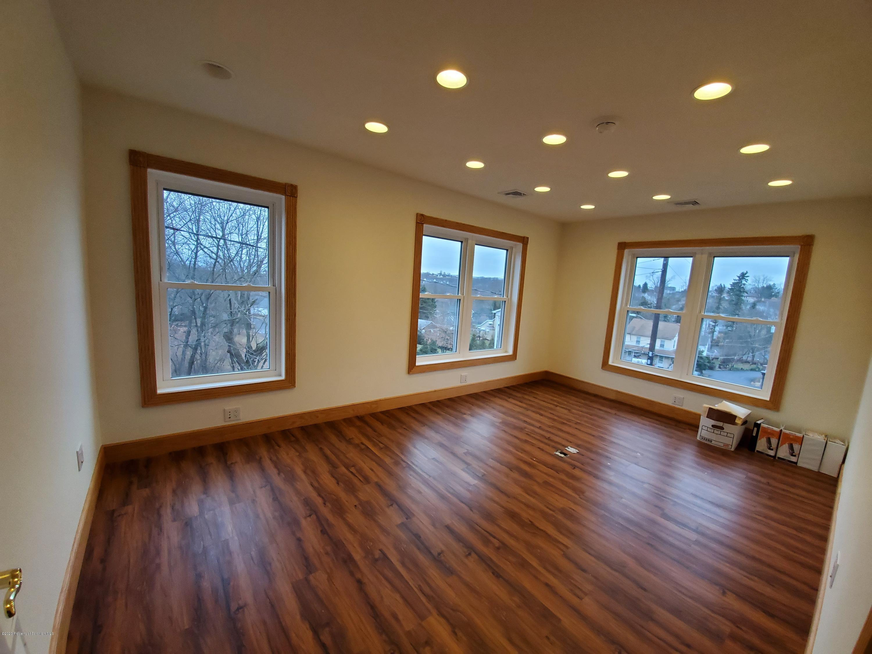 116 Monahan Ave, Dunmore, Pennsylvania 18512, ,1 BathroomBathrooms,Commercial,For Lease,Monahan,20-151