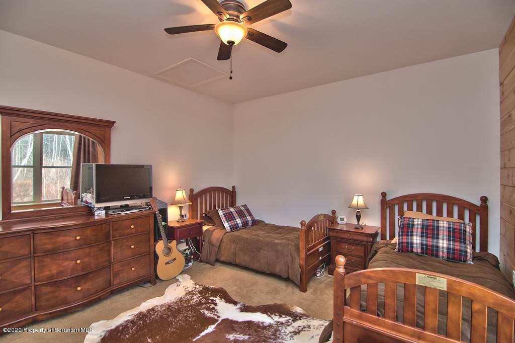 191 Lake Drive, Union Dale, Pennsylvania 18470, 5 Bedrooms Bedrooms, 10 Rooms Rooms,4 BathroomsBathrooms,Single Family,For Sale,Lake,20-237