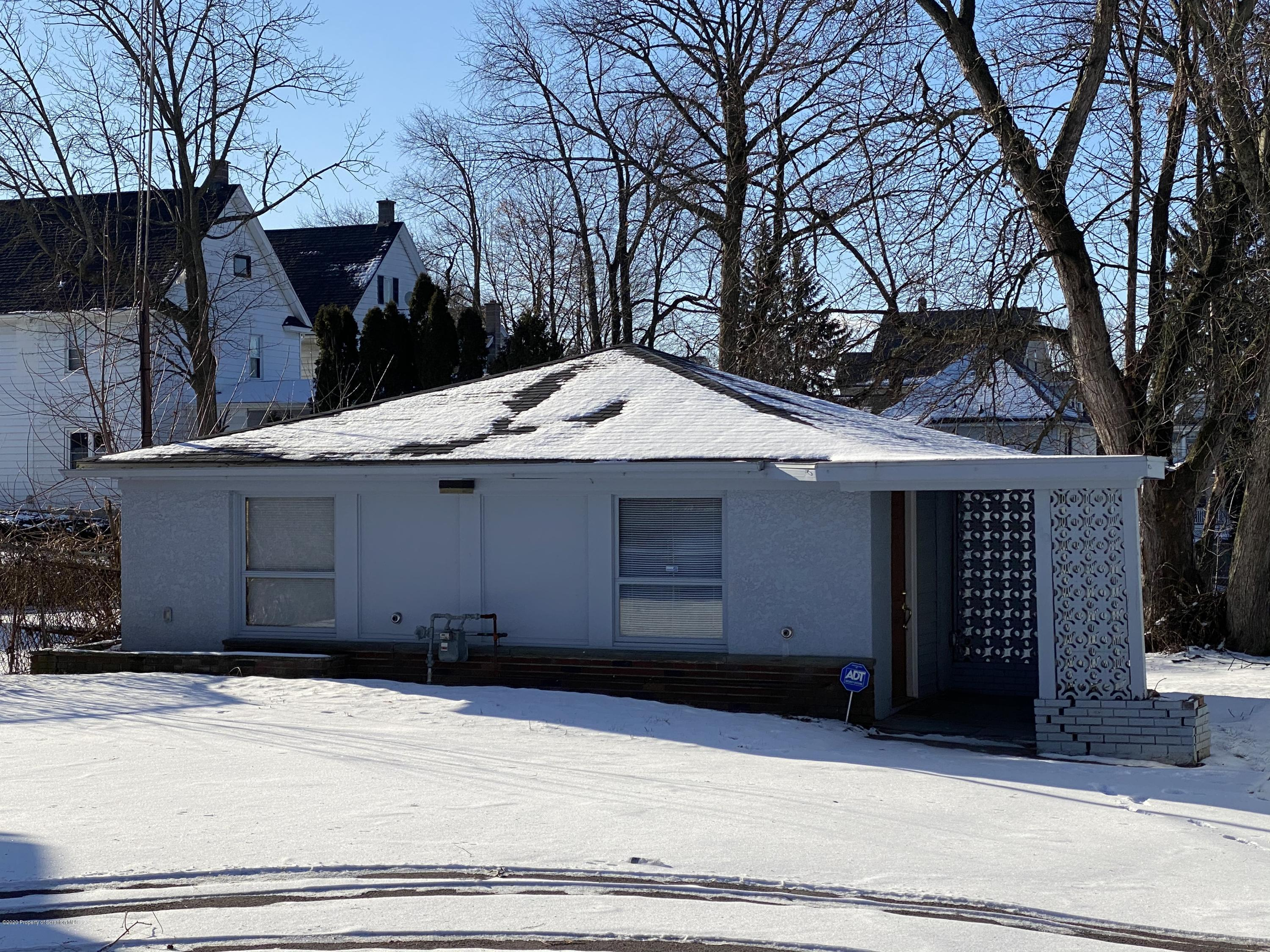 110 Potter St, Dunmore, Pennsylvania 18512, ,2 BathroomsBathrooms,Commercial,For Lease,Potter,19-4018