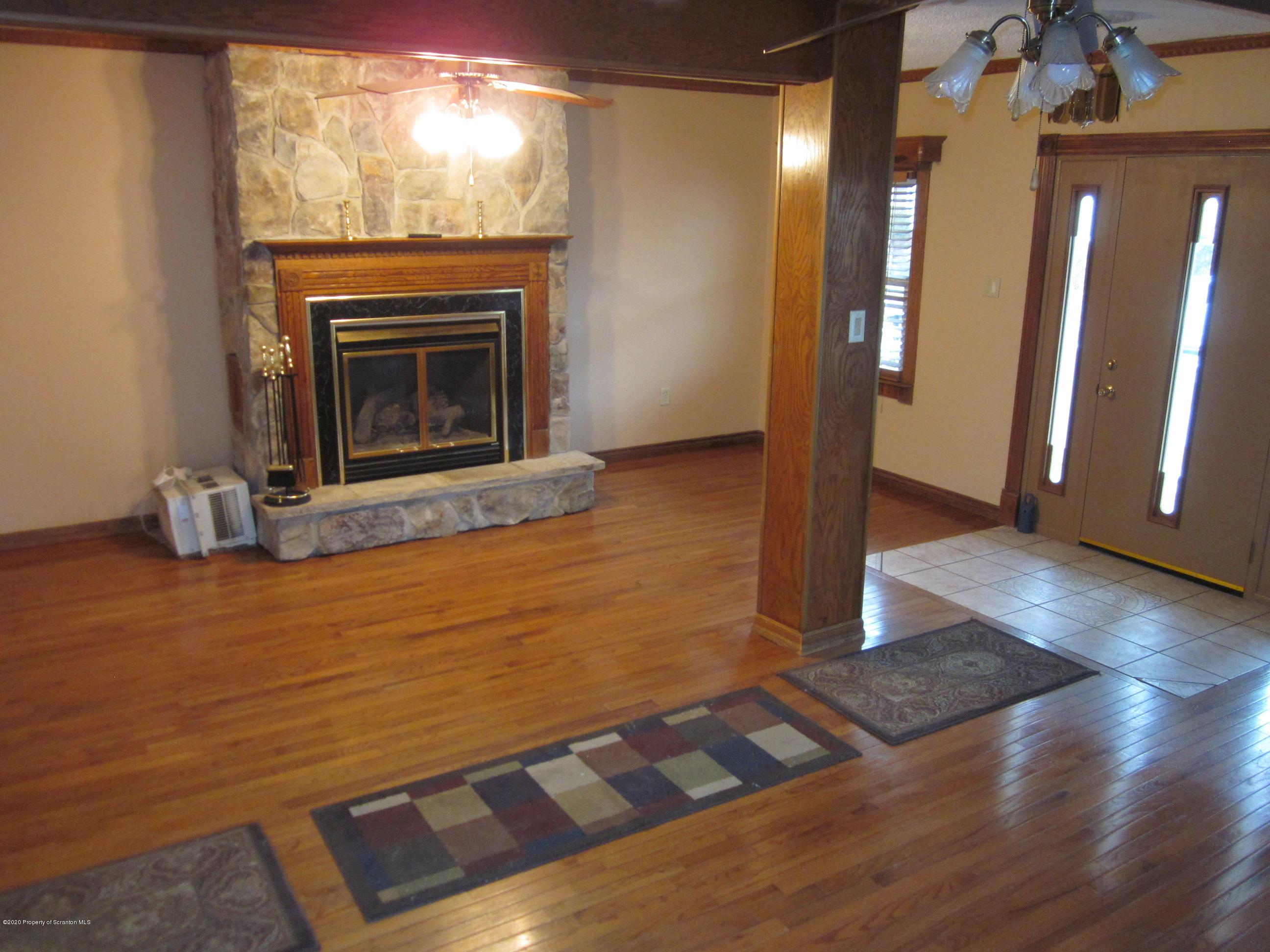 1339 Rundle, Scranton, Pennsylvania 18504, 3 Bedrooms Bedrooms, 6 Rooms Rooms,1 BathroomBathrooms,Single Family,For Sale,Rundle,20-369
