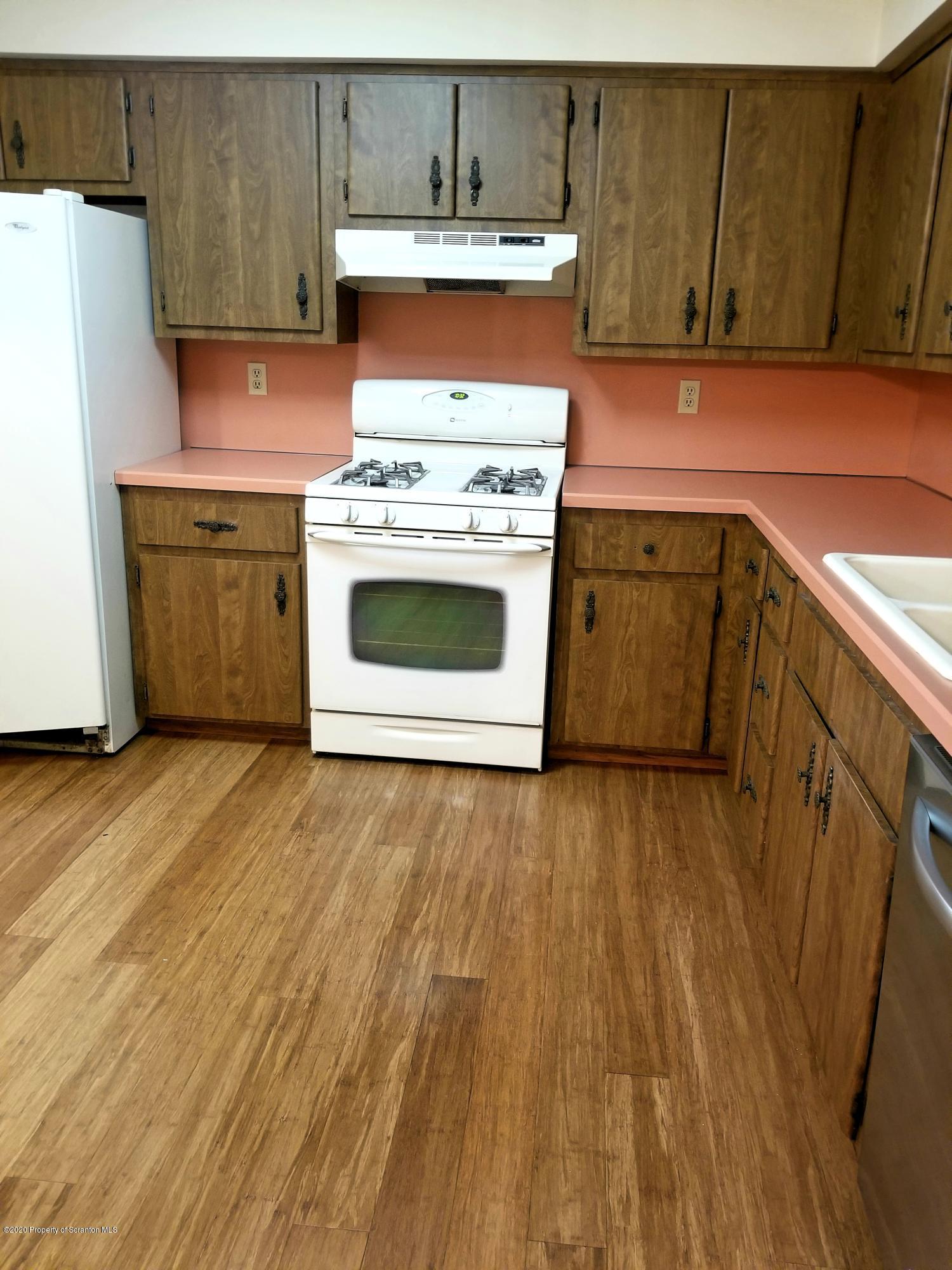 727 Beechwood Dr, Dickson City, Pennsylvania 18519, 4 Bedrooms Bedrooms, 8 Rooms Rooms,2 BathroomsBathrooms,Single Family,For Sale,Beechwood,20-446