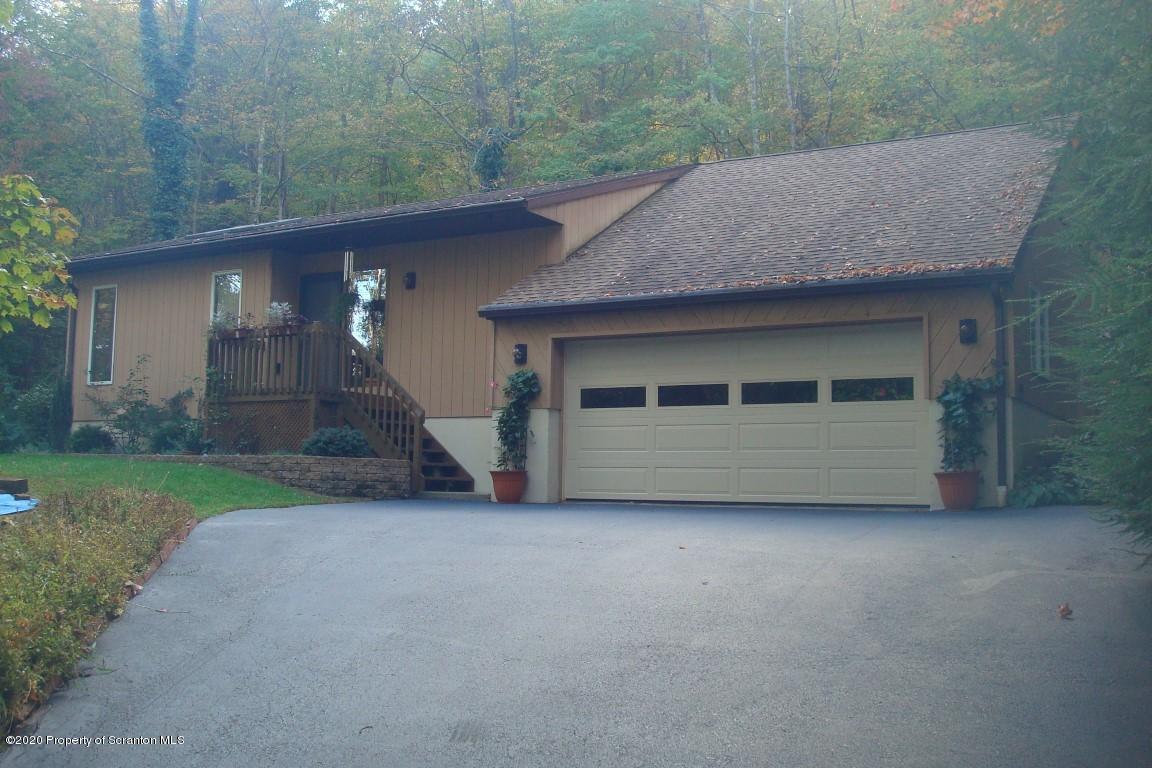 186 Abbey Road, Falls, Pennsylvania 18615, 3 Bedrooms Bedrooms, 6 Rooms Rooms,2 BathroomsBathrooms,Single Family,For Sale,Abbey,20-509
