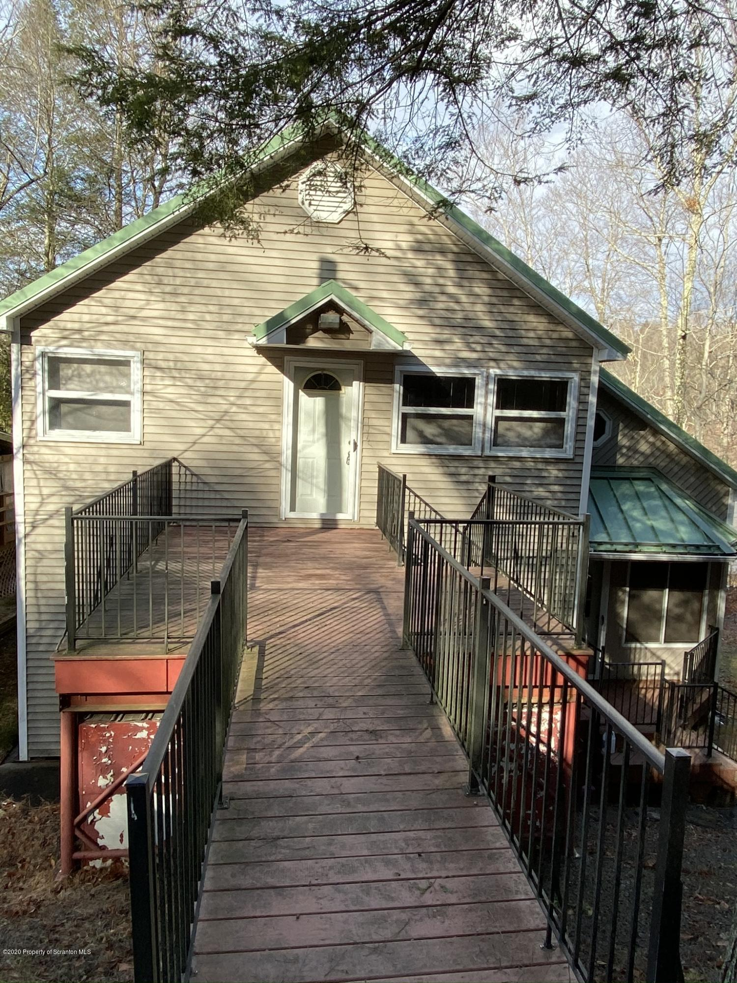 127 Riverside Dr, Greentown, Pennsylvania 18426, 2 Bedrooms Bedrooms, 7 Rooms Rooms,2 BathroomsBathrooms,Single Family,For Sale,Riverside Dr,19-5689