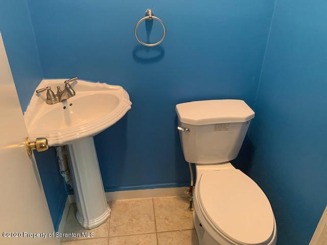 8 Washington St, Carbondale, Pennsylvania 18407, 3 Bedrooms Bedrooms, 6 Rooms Rooms,2 BathroomsBathrooms,Single Family,For Sale,Washington,20-595