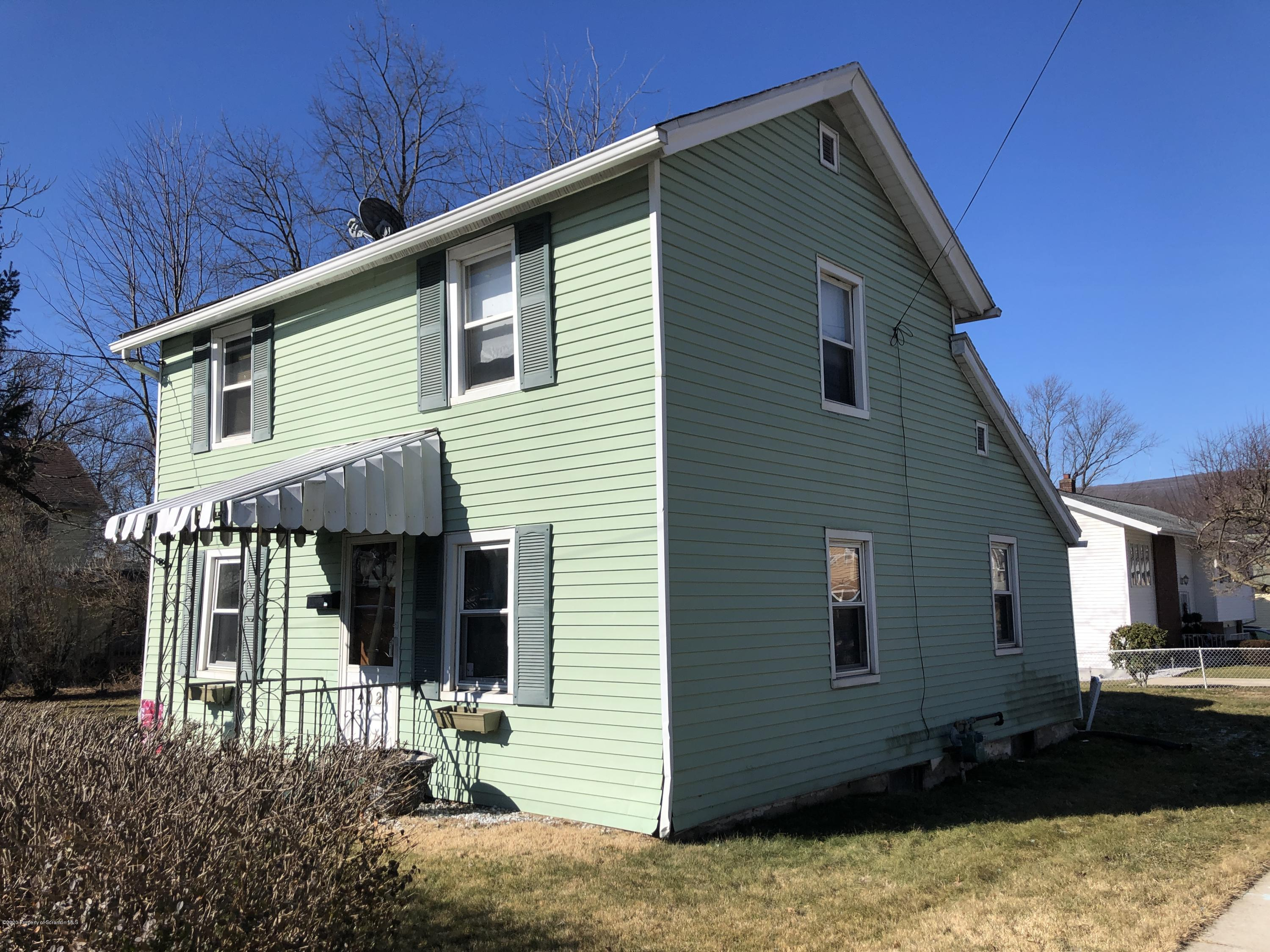 402 20th Ave, Scranton, Pennsylvania 18504, 2 Bedrooms Bedrooms, 5 Rooms Rooms,1 BathroomBathrooms,Single Family,For Sale,20th,20-666