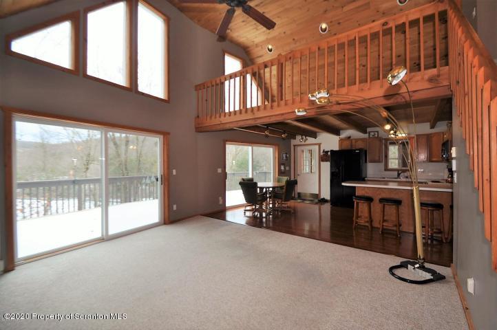 179 Marina Way, Greentown, Pennsylvania 18426, 3 Bedrooms Bedrooms, 6 Rooms Rooms,3 BathroomsBathrooms,Single Family,For Sale,Marina,20-867